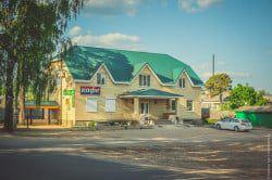 Здание кафе Водолей в п. Максатиха
