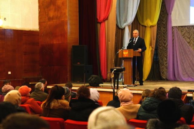 Константин Паскин отвечает на вопросы жителей Максатихинского района