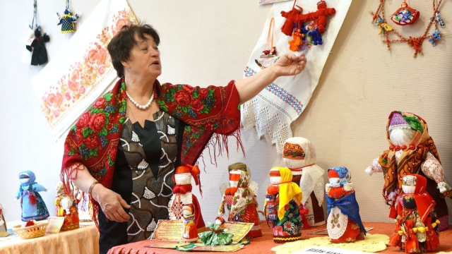 Мастер по изготовлению русской куклы Екатерина Федоровна Хрусталева