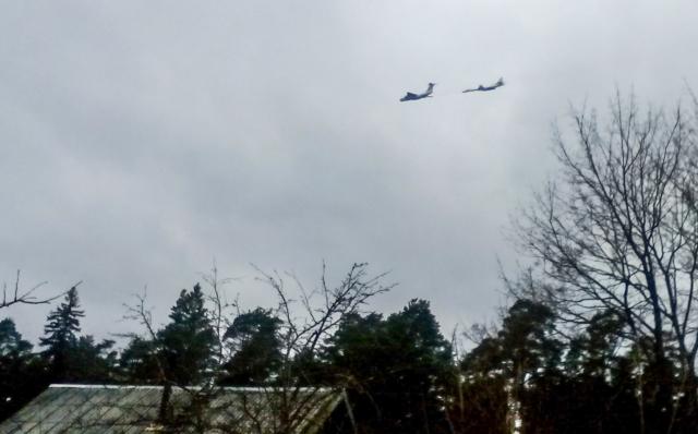 Ту-160 и ИЛ-78 пролетели над посёлком Максатиха