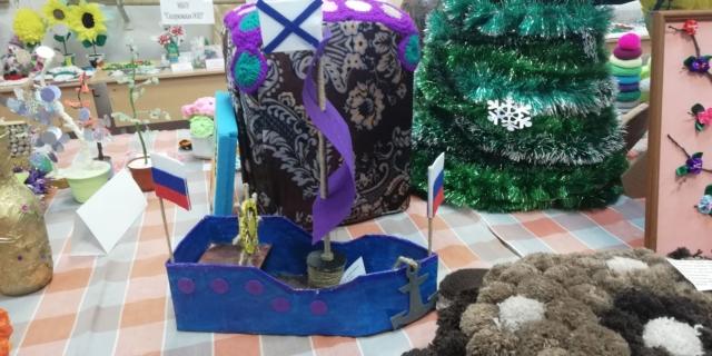 Выставка декоративно–прикладного творчества «Мир увлечённых»